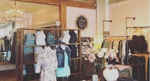 disctrict-boutique-green-shopping-akron